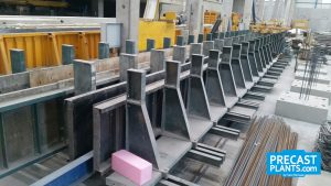 Twin column mould